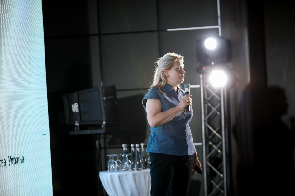Засновник Академії Ірина Запатріна виступила с доповіддю Потенціал публічно-приватного партнерства для трансформації міст у сталі та розумні на Форумі трансформацій Make IT SMART, який відбувся 6 червня 2019 року у м. Харкові